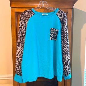 OMSJ long sleeve T-shirt. Leopard/turquoise M/L